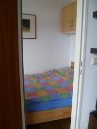 Blick in das kleine Schlafzimmer - Bild 5: Ferienwohnung im >Lord Nelson< in Cuxhaven-Döse ****