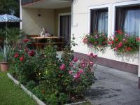 """Terrasse mit Sitzgarnitur, Wohnung """"Gartenblick"""" - Bild 2: Ferienwohnung """"Haus Nagelschmidt"""" Region Neumarkt Oberpfalz-Amberg-Nürnberg"""