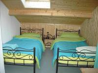 Schlafzimmer Kind mit extra Fernseher - Bild 2: Ferienhaus Schweden