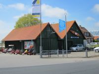 Neßmersiel ist eine von 17 Stationen wo Sie ein Paddelboot mieten können um durch die kleinen Kanäle schippern zu können. Wenn Sie wollen bis Leer, Hage, Aurich Norden oder gar Emden. Zurück geht es, wenn Sie wollen, mit dem Fahrrad. - Bild 14: Nordsee / Ostfriesland strandnahes Ferienhaus 1-6 Personen ( Hund erlaubt)