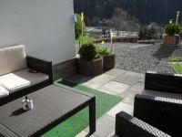 Die schöne, große, überdachte Terrasse mit schönen Loungegartenmöbeln, Liegestühlen,Sonnenschutz Selbst bei Regen kann man hier draussen sitzen - Bild 2: Ferienwohnung Haus Klinkhammer, Hellenthal, Nordeifel,Nationalpark