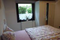 Schlafzimmer Kleiderschrank mit Spiegel - Bild 11: Ferienhaus am Hennesee Wandern mit Hund Angeln am Hennesee Henneseeblick