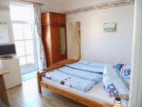 """Doppelzimmer mit """"kleinem Blick"""" auf den Greifswalder Bodden! - Bild 2: Balkonzimmer *** / Pension Villa Erika * im Seebad Lubmin * Ostsee"""