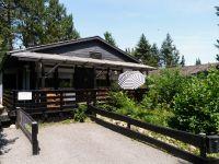 Direkt neben dem Eingang gehört ein eigener Stellplatz für Ihr Auto zum Haus. - Bild 14: Eifel-Ferienhaus Fliegenpilz - für Ihren Urlaub mit und ohne Hund