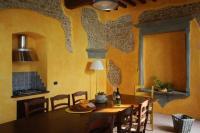 Gemeinschaftsraum für alle Hausgäste mit Kochgelegenheit (2 Herdplatten) - Bild 5: Agriturismo San Giusto nahe Florenz und Pisa