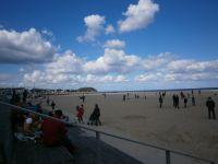 das hat auch seinen Reiz - hier der Strand von Travemünde im Frühjahr - Bild 5: Fewo bis 4 Personen - mit kostenlosem Schwimmbad in Timmendorfer Strand