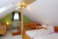 Schlafzimmer für bis zu 4 Personen - Bild 5: Ferienhaus Familie Ziller Crottendorf Erzgebirge