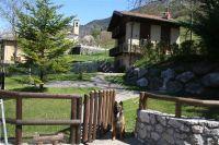 Bild 2: Ferienhaus Giulia mit eingezäunten Garten am Ledrosee