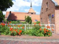 Herrliche Vorgärten sind ein Kennzeichen von Rysum - Bild 11: Ferienwohnung Mühlenblick in Rysum bei Greetsiel
