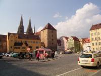 Die Residenzstadt Regensburg sollten Sie auf jedenfall einmal besuchen. - Bild 17: AWM-Ferienhaus im Bayerischen Wald, gemütliches Holzblockhaus mit Kaminofen