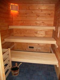 Im Rezeptionsgebäude steht den Gästen eine Sauna (Gebühr) zur Verfügung. - Bild 11: AWM-Ferienhaus im Bayerischen Wald, gemütliches Holzblockhaus mit Kaminofen