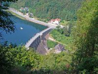 """Ein Blick auf den Diemelsee mit der Sperrmauer - Bild 11: Ferienwohnung"""" Am Hemberg""""( Region Diemelsee)"""