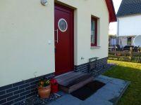 Eingangstür - Bild 2: Kinder- u. hundefeundliches Ferienhaus in Binz, hell u. modern, mit Garten