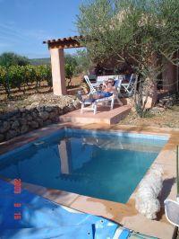 Bild 2: Kleines originelles Rebhaus mit Tierhgehege in der Provence verte
