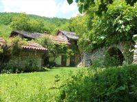 Bild 2: rustikales Ferienhaus aus Naturstein