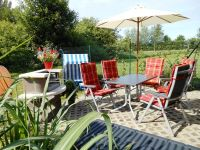 Bild 5: Rügen 500 m zum Wasser, Balkon,Terrasse Garten mit Grillecke, 2 Fahrräder!