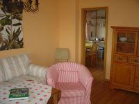 Blick vom Wohnzimmer in die Küche. - Bild 2: Bungalow C bei Blankenburg am Südhang mit Panoramablick
