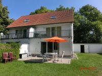 Terasse mit Gartenmöbel - Bild 2: FeWo Wiek auf Rügen, Erdgeschoss mit Terrasse und Gartennutzung