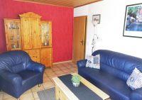 Sofa, Sessel,Schaukelstuhl,Sat-Fernseher,Radio mit CD, gefliester Boden, Teppich - Bild 5: Nordsee-Ferienwohnung Struckum auch mit Hund