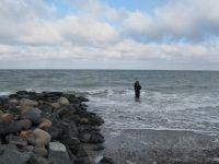 Hier: im Winter. Petri Heil! - Bild 5: Großzügige Ferienwohnung mit Meerblick im Ostseebad Hohwacht