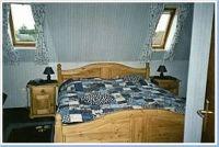 Schlafzimmer mit Doppelbette, Aufstellmöglichkeit für Kinderreisebett (vorhanden) - Bild 2: FeWo Rübennest 3b Obergeschoss für max. 6 Personen, Hunde willkommen