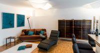 Bettcouch, Liege zum Chillen, Wohnzimmerschrank, Barhocker und Essbereich zur offenen Küche. - Bild 2: Fantastische Wohnung im Zentrum