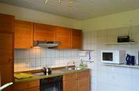 Küchenzeile, Abzug, Herd, Kühlschrank und Mikrowelle - Bild 5: Ferienwohnung Haus Speck, nähe Bodensee