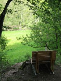 Am 2-Bäche-Pfad finden Sie diesen herrlichen Ruhepunkt in der Natur im Alfbachtal. - Bild 20: Eifel-Mosel ***Ferienwohnung Alte Schmiede I