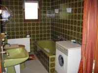 Großes Bad mit Dusche, Badewanne, WC, Bidet und Waschbecken - Bild 8: Ferienwohnung EifelNatur 2 - großzügige 3-Sterne-FeWo für bis zu 7 Personen