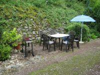 Sitzecke in freier Natur mit Grillmöglichkeit - Bild 11: Ferienwohnung EifelNatur 2 - großzügige 3-Sterne-FeWo für bis zu 7 Personen