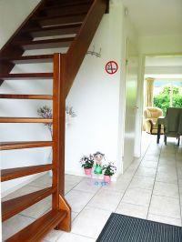 Treppe und Durchgang zum Wohnzimmer - Bild 17: Sehr schönes Ferienhaus, jetzt € 50,- Rabatt jedes Wochenende bis Mai