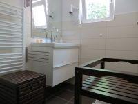 Badezimmer - Bild 8: 4* Ferienhaus Lindenallee 14 - 76835 Gleisweiler