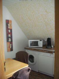 beinhaltet eine moderne Einbauküche mit eigener WaMa und Spülmaschine - Bild 5: Möblierter Wohnraum auf Zeit mit div. Extras ländl. Nähe Köln