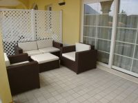 Die Terrasse mit einer Sitzgruppe. - Bild 5: Giardino dei Colori - Schöne moderne 6 Pers. - Ferienwohnung am Gardasee