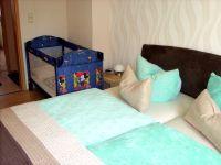 Bett 190x200 Baybybett wird auf Bedarf zugestellt. - Bild 11: Ferienwohnung BAUER Thale / Harz