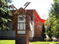 Eröffnung 29.Juni -die Zwerge bauen noch - Bild 2: Der Zwergen-Mühlenspeicher, einach zwergisch gut