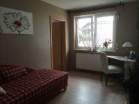 In diesem Zimmer befindet sich ein weiteres Fernsehgerät. - Bild 8: Tolles vier Sterne Ferienhaus im Hunsrück, Hunde willkommen