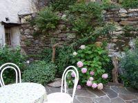 Wer lieber draussen sein Frühstück geniessen möchte, kann das auf der Gartenterrasse tun - Bild 14: Ferienwohnung I im Cá Árbul (Valle Cannobina in Italien/Lago Maggiore)