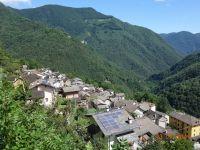 Feriendorf Orasso im Sommer - Bild 2: Ferienwohnung I im Cá Árbul (Valle Cannobina in Italien/Lago Maggiore)