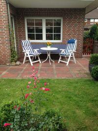 Terrasse über das Wohnzimmer erreichbar - Bild 8: Familienfreundliche Fewo, 2 Schlafzimmer,Garten, Hunde auf Anfrage erlaubt