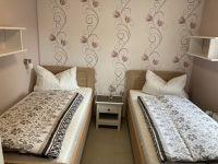 """Das zweite Schlafzimmer , hell und freundlich, mit zwei Einzelbetten. - Bild 5: Ferienhaus """"Friederike"""" an der Nordseeküste - ebenerdig - Hunde erlaubt"""