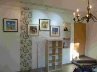 Ferienzimmer 1 mit Einbauglasregal und Designkleiderstange in Vogelform - Bild 5: Ferienzimmer im schönsten Tal der Oberlausitz, in der Cunewalder Obermühle