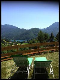 Bild 14: Ferienhaus Regina mit eingezäunten Garten und Seeblick