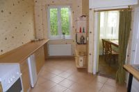 Die Küche bitet viel Platz. - Bild 8: 3-Zi-Ferienwohnung im Herzen von Erfurt bis 6 Personen