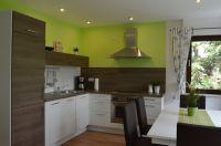 Die moderne und zum Wohnraum hin offene Einbauküche - Bild 5: Ferienhaus Eifelröschen - wenn Sie das Besondere lieben
