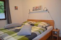 Das Schlafzimmer2 im Erdgeschoss mit Doppelbett 180 x 200 cm und Kleiderschrank. - Bild 14: Ferienhaus Eifelröschen - wenn Sie das Besondere lieben