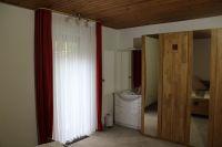 mit eigenem Waschplatz und eingebautem Safe - Bild 5: Ferienwohnung EifelNatur 4 - komfortable 4-Sterne FeWo in ruhiger Lage