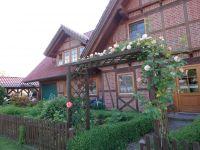 Fachwerkhaus mit Blick von der Straßenseite. - Bild 8: Ferienwohnung Kribitz Hodenhagen (Aller-Leine-Tal)