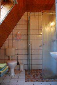 """Die ebenerdige Dusche ermöglicht leichtes betreten der Dusche. - Bild 8: Ferienwohnung """"Bakelberg"""" im Ostseebad Ahrenshoop"""