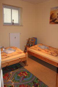 Schlafzimmer mit zwei Betten (90x200cm) - Bild 8: Ferienwohnung auf der Sonneninsel Usedom (Dreikaiserbad Bansin)
